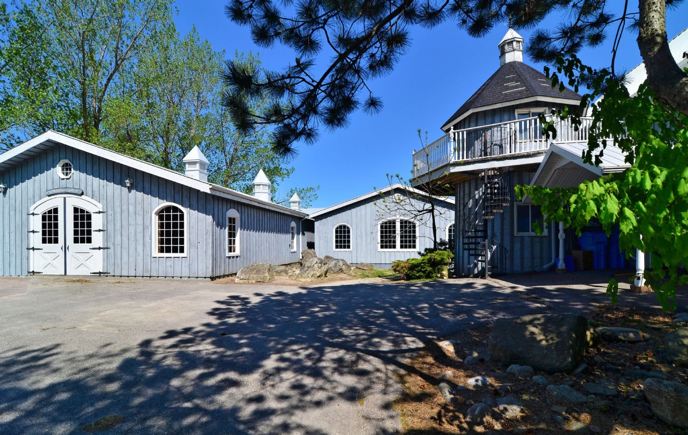 Tralee caledon caledon country homes luxury real estate for Luxury country homes